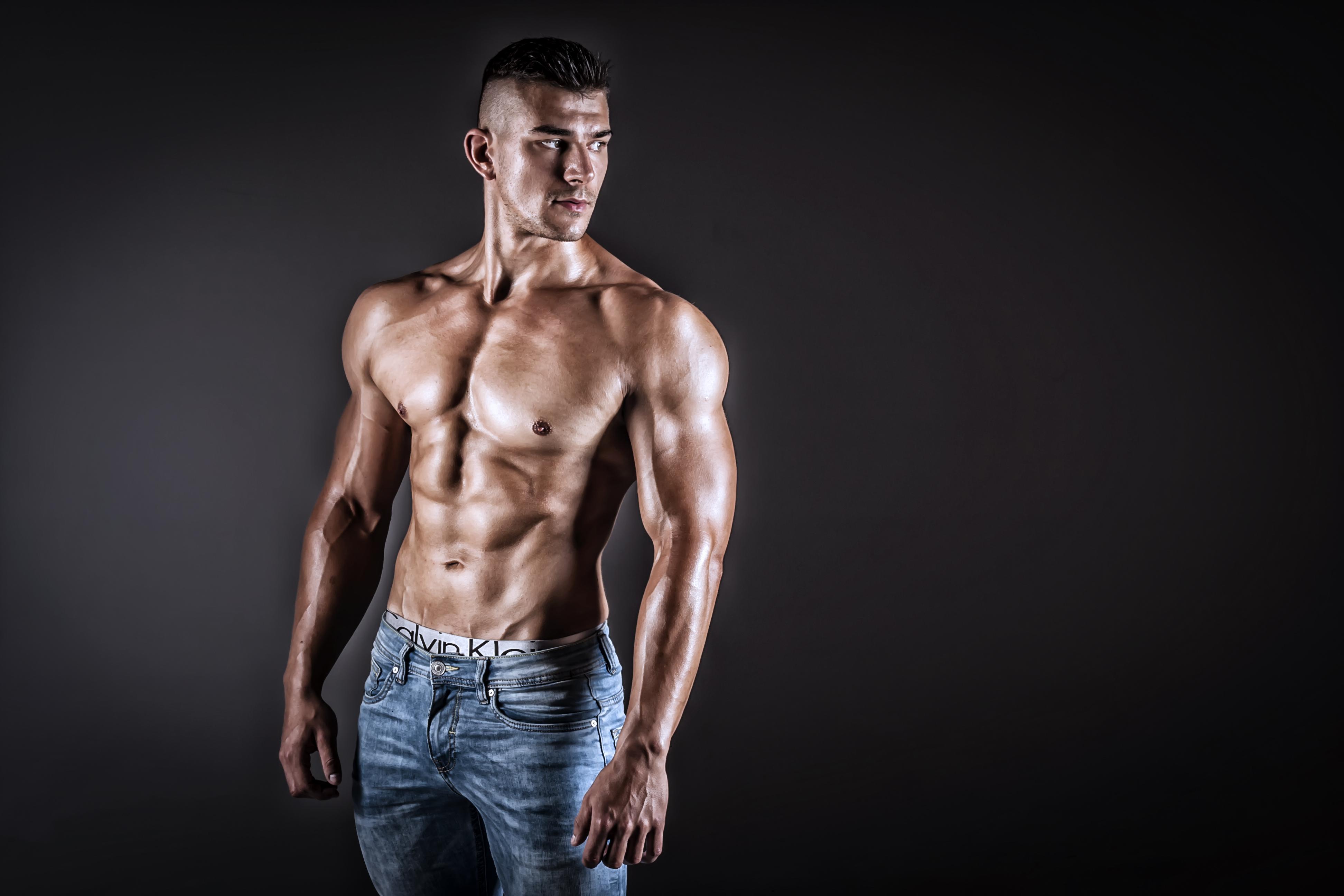 Jak schudnąć z brzucha? 14 sprawdzonych sposobów na płaski brzuch